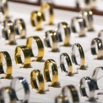 La fin des rayons bijouterie chez Carrefour